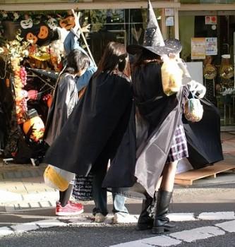 ハロウィン衣装無料