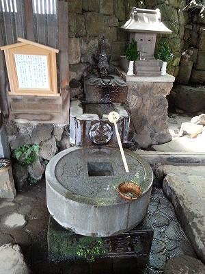 s-品川神社一粒万倍の泉と富士塚 (12)