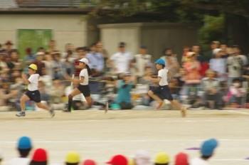 リレー速く走る方法を練習中♪運動会では走る順番やメンタルも大切。