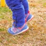子供の足が臭い時は洗い方を見直して!重曹やミョウバン水も有効?靴の使い方も。