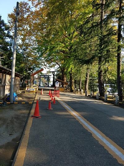 立川諏訪神社参道