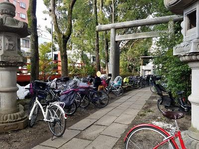 田無神社節分祭混雑状況自転車もいっぱい