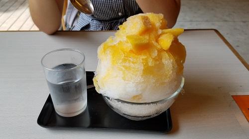 熱田神宮でマンゴーかき氷