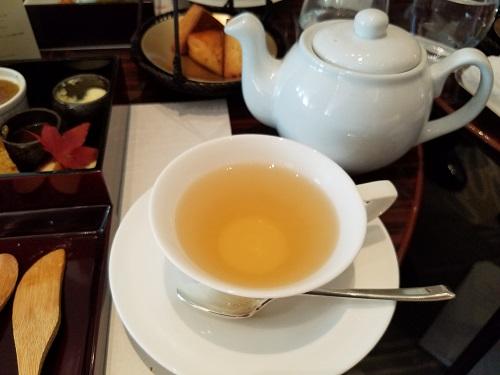 パレスホテルアフタヌーンティーポットで紅茶