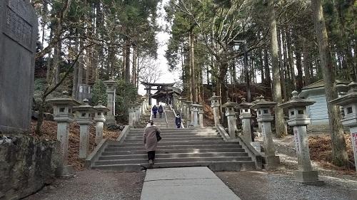 三峯神社奥宮遙拝殿