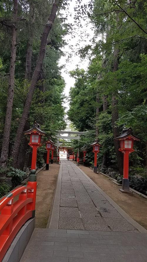 馬橋稲荷神社のパワースポット参道