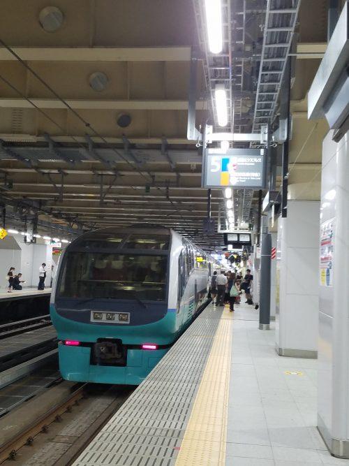スーパービュー踊り子号新宿からの乗り場と車内販売や乗り心地について