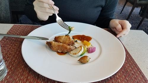 ホテルメトロポリタン丸の内tenqooランチビュッフメイン鶏